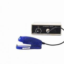 Ultrazvuková svářečka pro plastové misky s víčkem